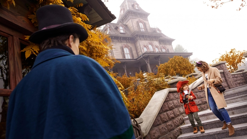 n032747_2023mar31_world_disney-halloween-festival-phantom-manor_16-96-small
